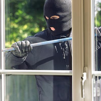 Sicherheitslösungen für Fenster und Türen – geben Sie Einbrecher keine Chance!