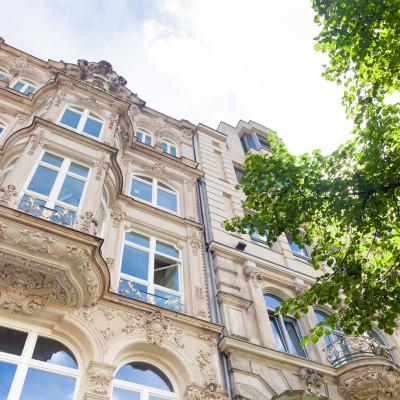 Fenstersanierung in Altbauten – was Sie beachten müssen!