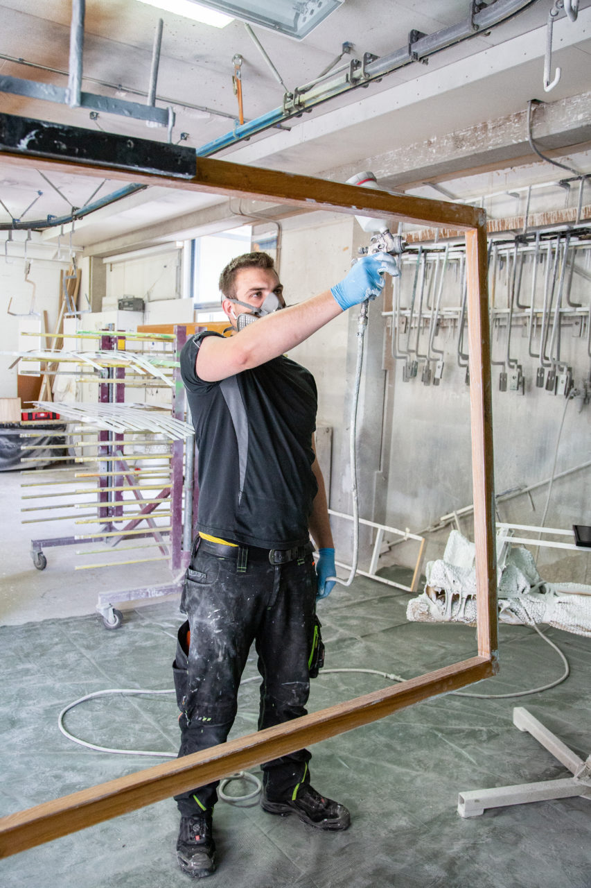 Holztueren Holzfenster Fensterbau Moebel Tischlerei Berg Werkstatt Lackierung Overath Bergisch Gladbach