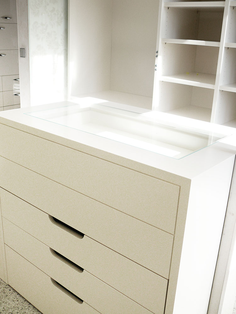 Stauraumlösungen – Einbauschränke, maßgefertigte Möbel, Ankleidezimmer