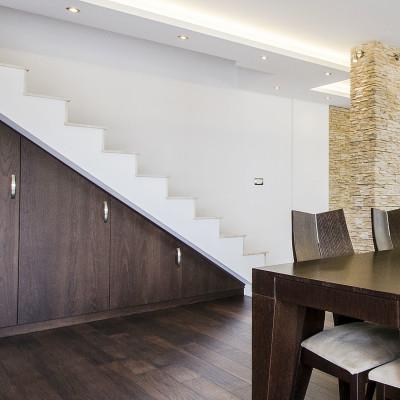 schrank-unter-treppe-tischlerei-schreinerei-treppenschrank