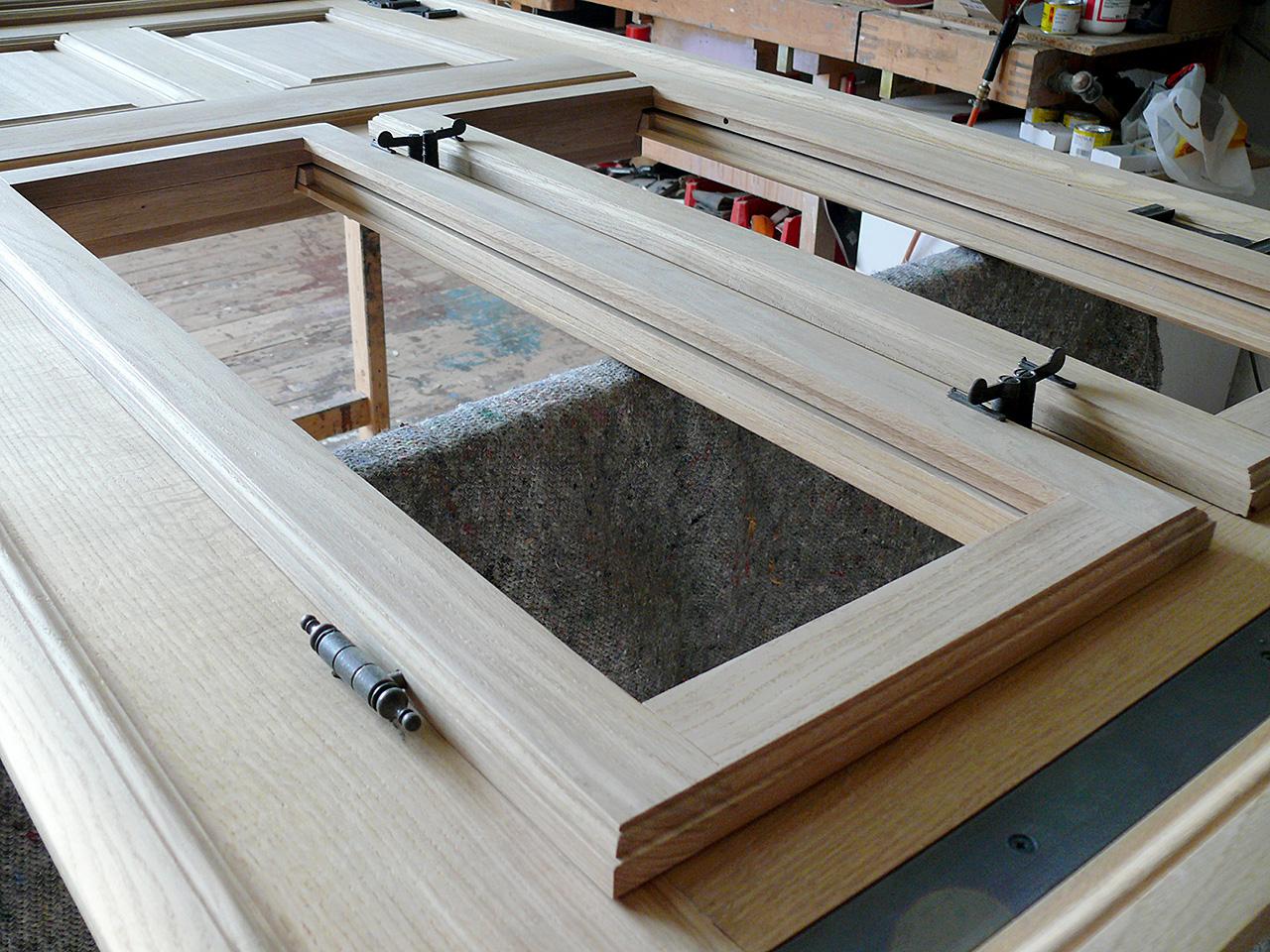 holzfenster oder kunststofffenster wo liegen die unterschiede was sollte man bei einer. Black Bedroom Furniture Sets. Home Design Ideas